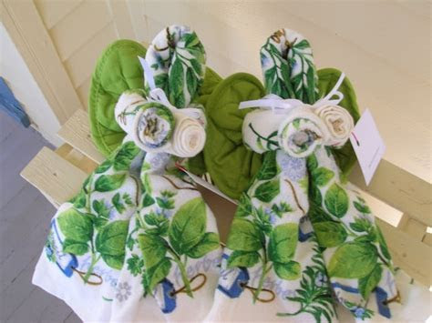 17 Best images about Towel cakes on Pinterest   Towels