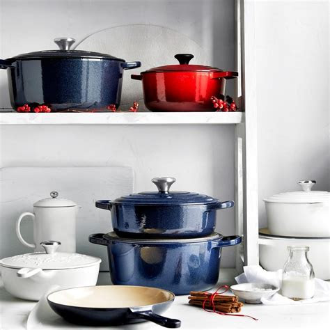 le creuset signature cast iron  dutch oven   qt