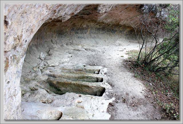 9 Cuevas de Pinedo