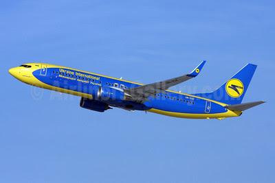Ukraine International Airlines Boeing 737-84R WL UR-PSF (msn 38120) (AeroSvit Airlines colors) ZRH (Andi Hiltl). Image: 910826.