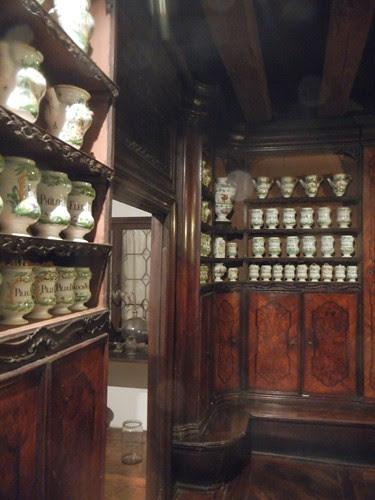 DSCN3023 _ Old Pharmacy in Cà Rezzonico, Venezia, 15 October