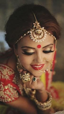 Stunning & Eye Catching Bindi Designs Specially For The