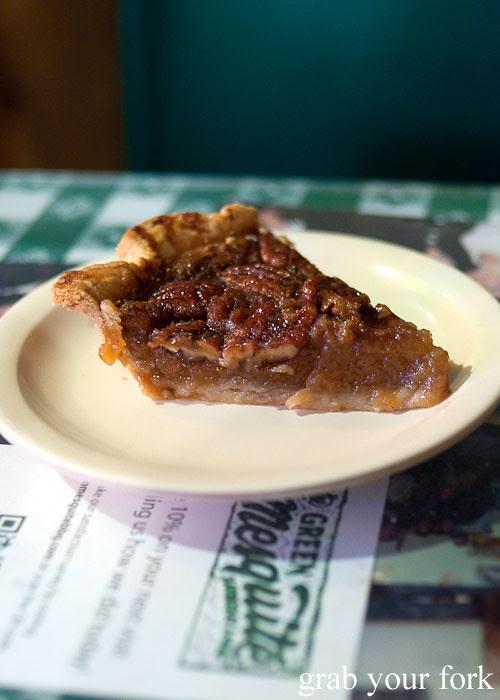 pecan pie at green mesquite bbq austin texas