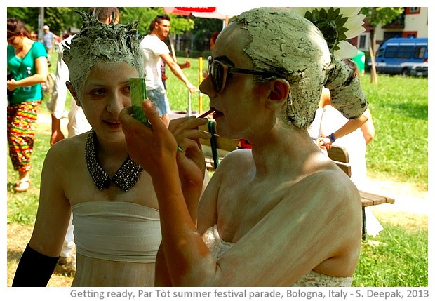 Getting ready for par tòt parade, Bologna, Italy - images by Sunil Deepak, 2013