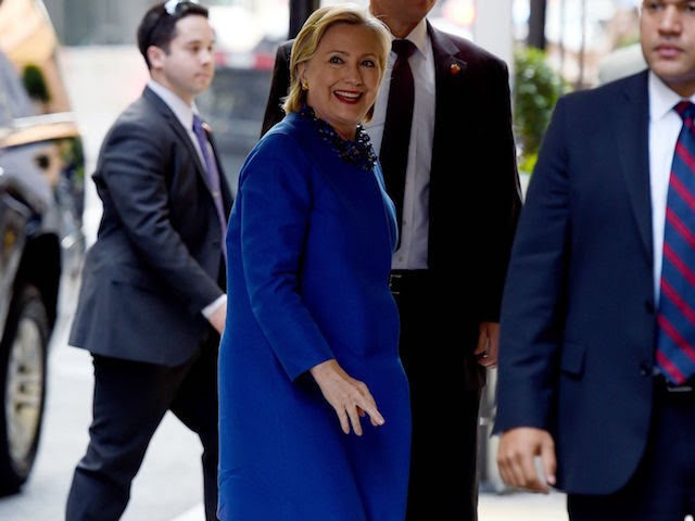 US Democratic presidential nominee Hillary Clinton arrives for a Hillary Victory Fund Event in New York on October 6, 2016. / AFP / TIMOTHY A. CLARY        (Photo credit should read TIMOTHY A. CLARY/AFP/Getty Images)