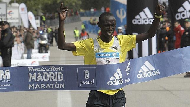 Francis Kiprop bate el récord del maratón de Madrid