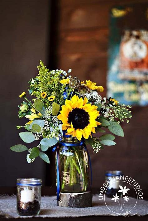 Sunflower centerpieces (20 in 2019   Sunflower and Navy