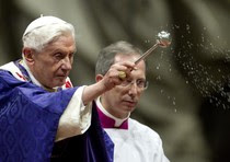 Il Papa durante la messa delle Ceneri