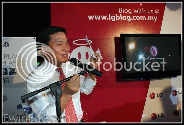 Lg-Boss-giving-a-speech