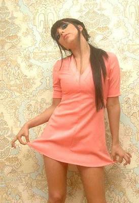 Stefani com vestidinho proto-Geyse Arruda