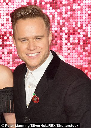 'He certainly took notice of her': Olly Murs, 33, flirted with Love Island's Amber Davies, 21, after 'chance meeting at Sheesh' as the pair enjoy single life in recent weeks