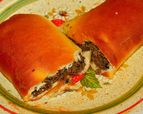 Our niece Abbie, wanted to make homemade runza's the other day, so I pulled out a dough recipe I got from my Aunt Betty, and we made some.  They were REALLY good!!  Going to have to do that again I guess!  ;-))
