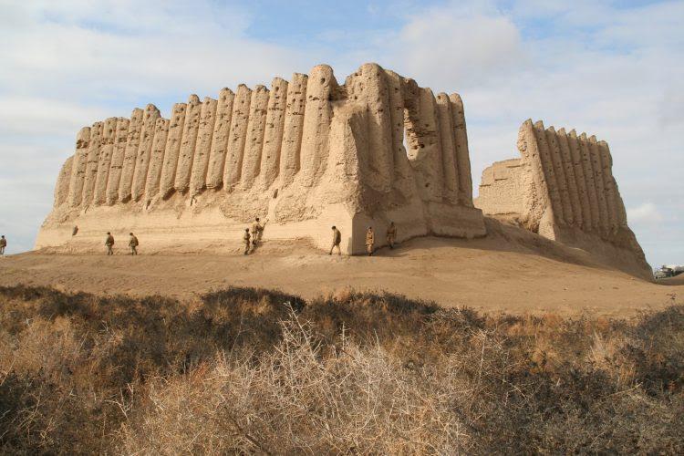Руины цитадели Мерв. Туркмения