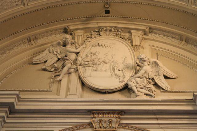 San Gregorio al Celio: medaglione con l'invio di Sant'Agostino di Canterbury presso gli angli