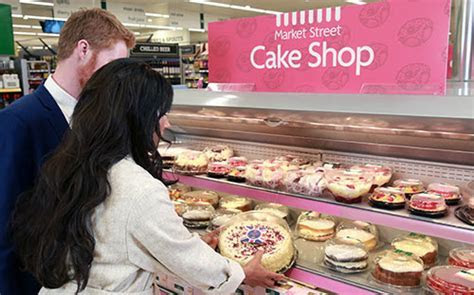 Royal Wedding Cake For £7   Morrisons