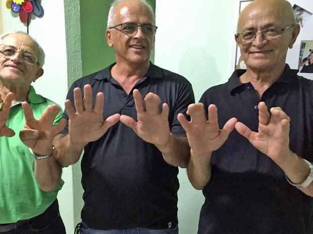 Irmãos optaram por não operarem da polidactilia (Foto: Cynthia Campos/Arquivo Pessoal)