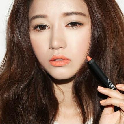 Beauty blogger Indonesia Raden Ayu park sora 3ce