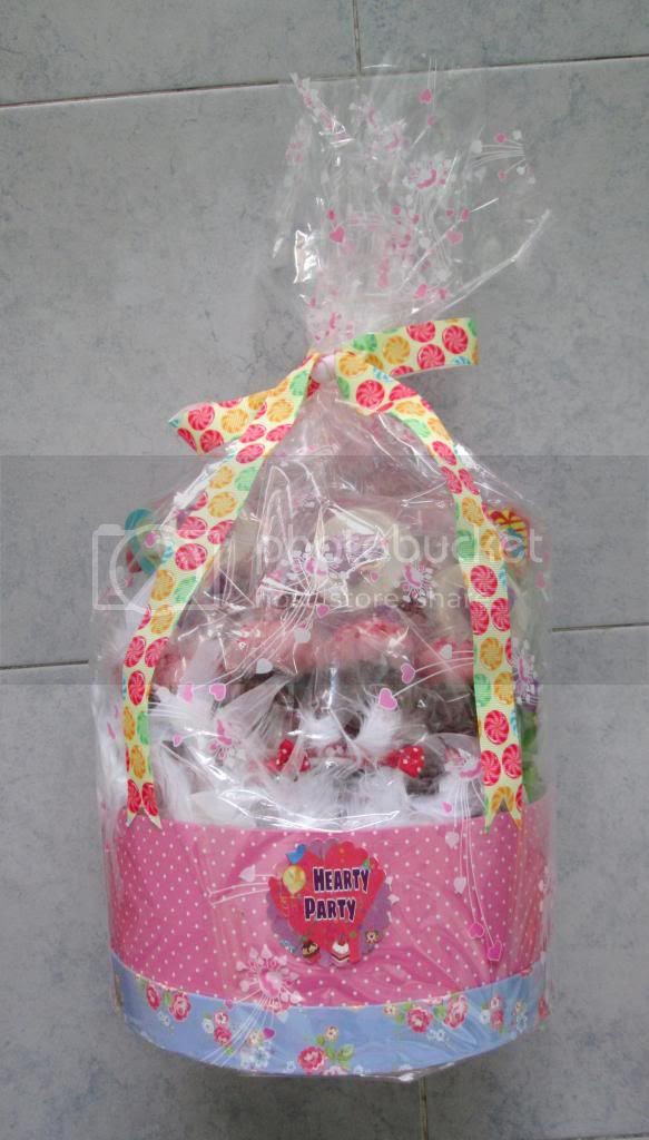 photo HeartyPartyHamper01.jpg