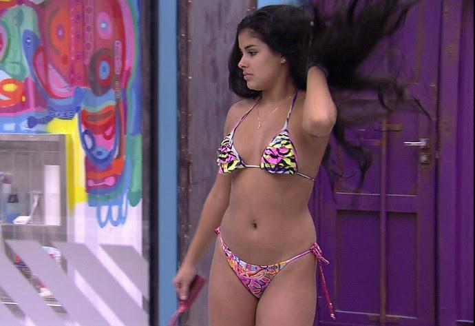 Munik mostra corpo de biquíni (Foto: TV Globo)