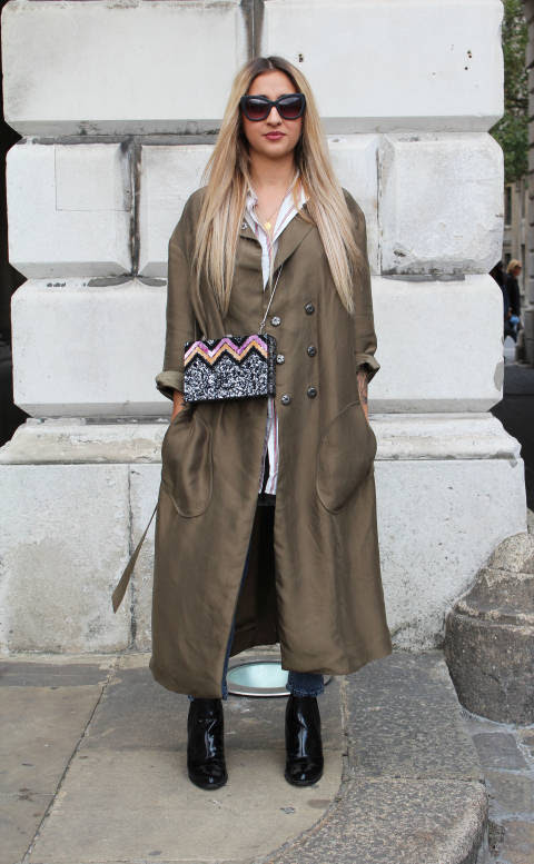 Alex wears: Shades & Coat: & Other Stories, Shirt: H&M, Jeans: Topshop, Boots: M&S, Bag: Zara