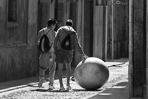 [ TOCA-PELOTAS ] by JoanOtazu