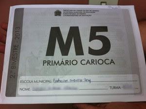 Capa da apostila do 5º ano (Foto: Isabela Marinho/ G1)
