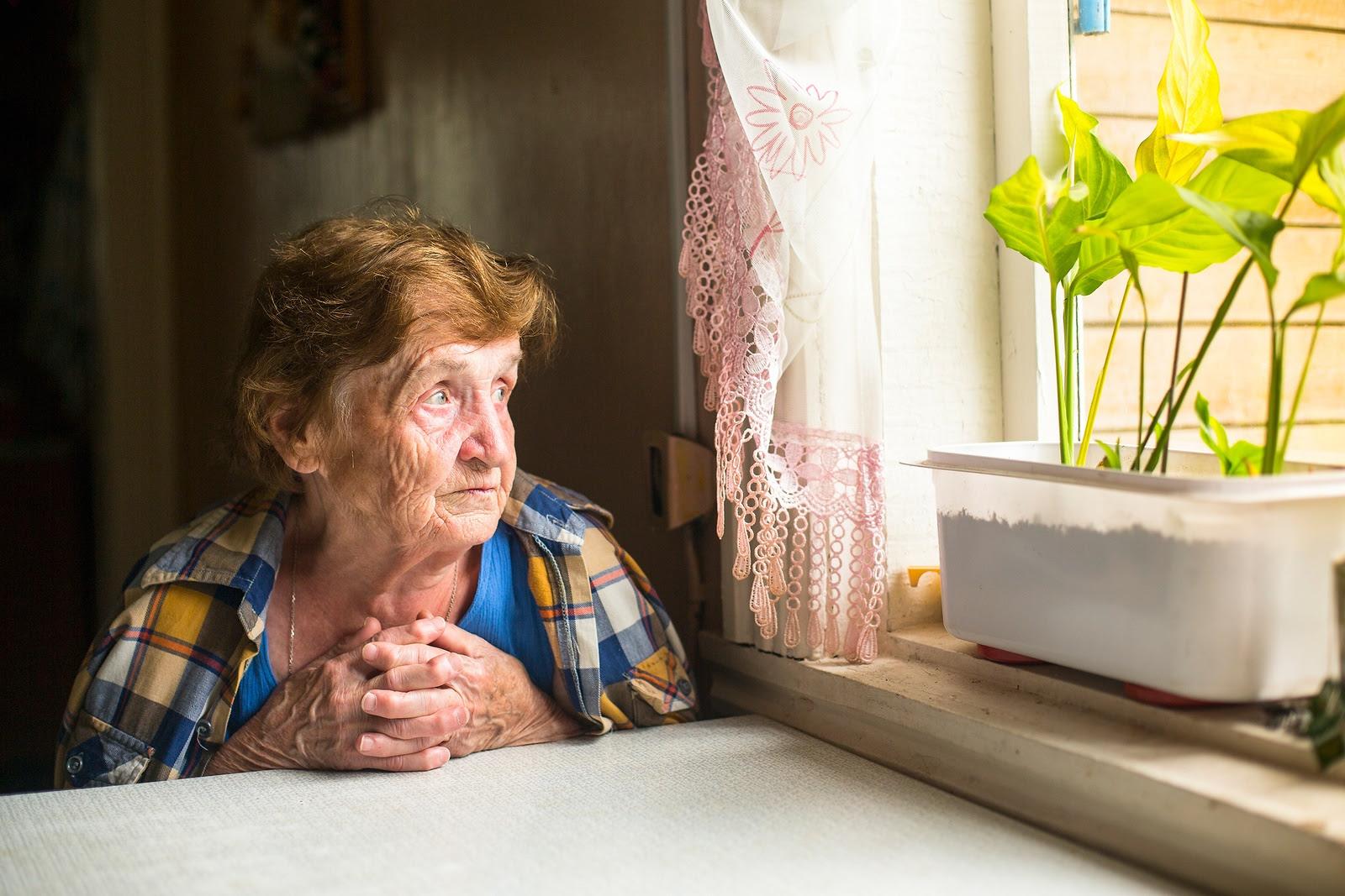 Resultado de imagem para seniors alone