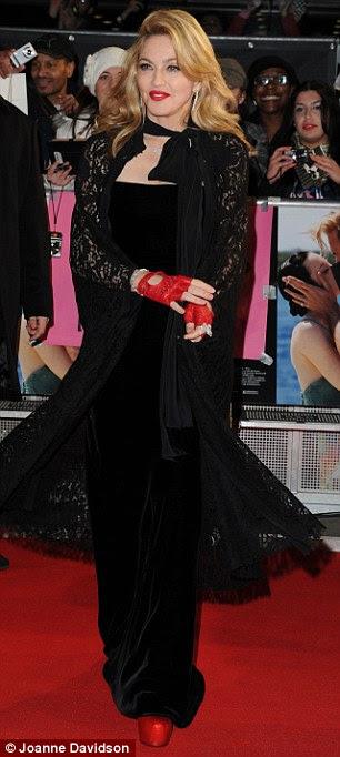 Que está fazendo o truque!  Madonna é um mestre anti-envelhecimento com seu regime de exercício diário e dieta rigorosa