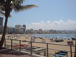 Español: Vista de la Playa de Las Canteras des...