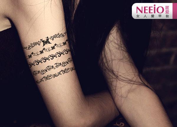 Swirl Designs Armband Tattoos On Girl Bicep
