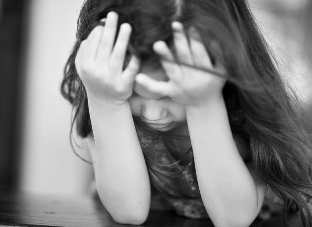 criança; tristeza; lei da palmada (Foto: Thinkstock)