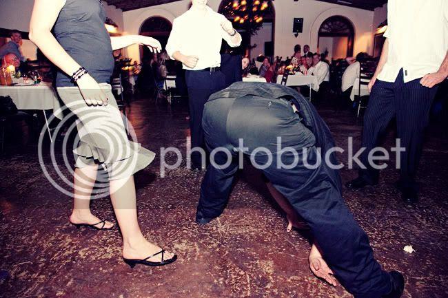 http://i892.photobucket.com/albums/ac125/lovemademedoit/DA_blog_017-1.jpg?t=1276803025