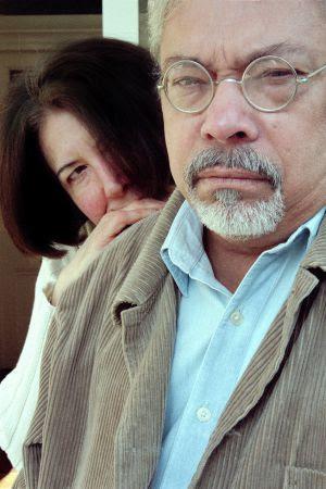Guillermo Cabrera Infante y su esposa, Miriam Gómez, en 1998.