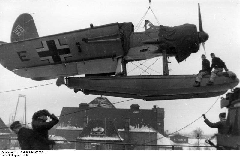 Bundesarchiv Bild 101II-MW-6081-11, Seeflugzeug Arado Ar 196