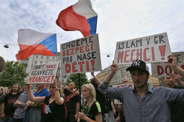 Antyislamska demonstracja w Brnie w czerwcu tego roku fot. Radek Mica /AFP