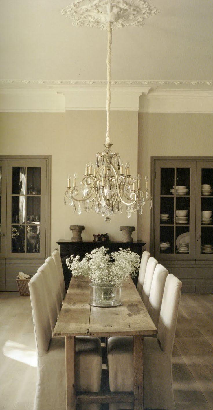Cottage Chic Rustic glam dining room
