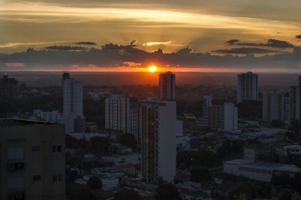 """Onda de calor acaba e temperatura deve """"normalizar"""" em Mato Grosso"""