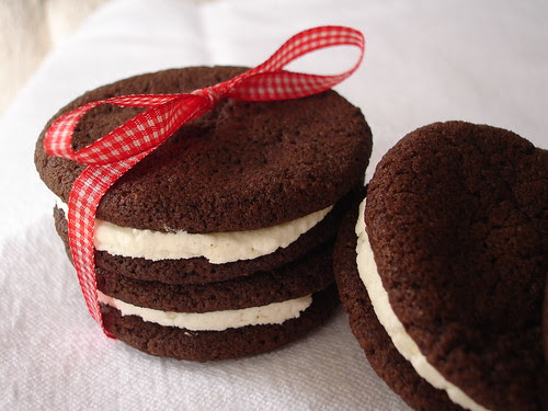 Chocolate Sandwich Cookies with Vanilla-Cream Filling (Homemade Oreos)