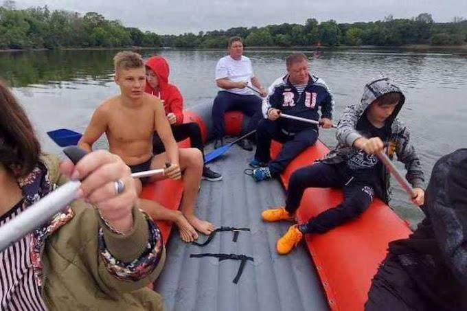 Хабаровские пловцы научились грести на байдарках и САП-бордах