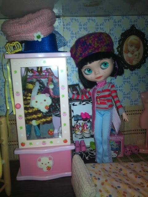 El nuevo armario de Manuela ya colocado y lleno
