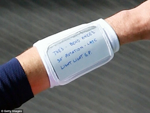 Tom Brady shows off terrible grammar in wristband notes  Daily Mail Online