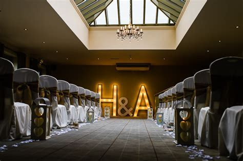 Vintage glamour for Holly & Adam?s Peak Edge Hotel wedding