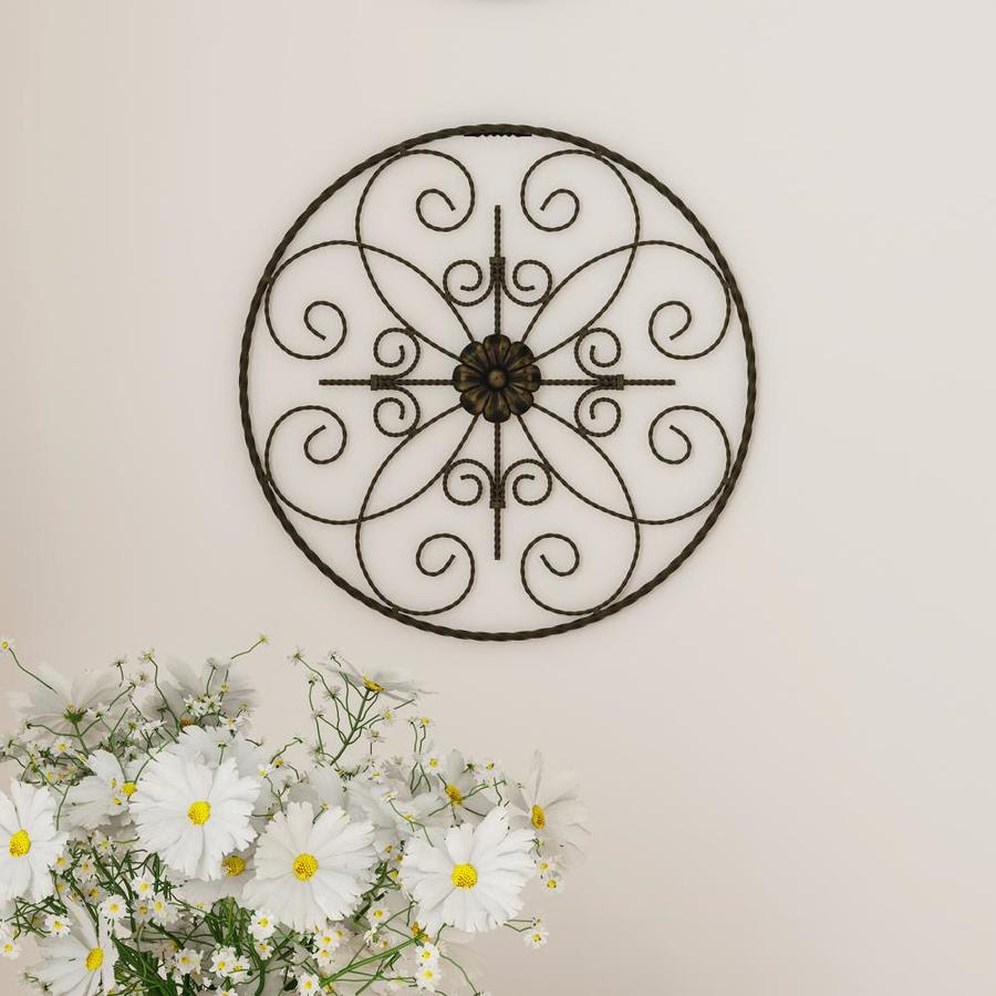 Hastings Home Medallion Metal Wall Art 14 In Round Metal Home Decor Hand Crafted With Distressed Finish Mounting Screws Included By Hastings Home In The Wall Accents Department At Lowes Com
