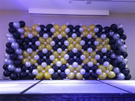 Grand Stage Balloon Backdrop   THAT Balloons