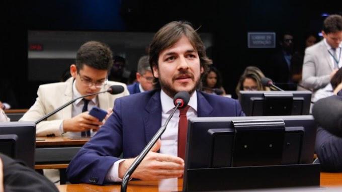 """Pedro Cunha Lima se revolta com liberdade de Ricardo Coutinho: """"Ladrão… Onde o crime compensa""""."""