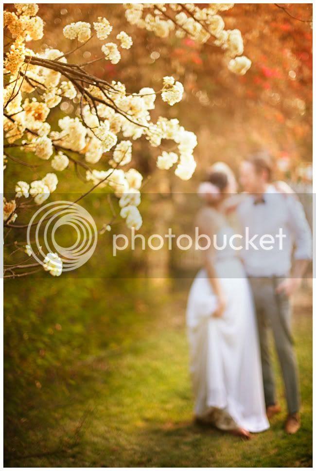 http://i892.photobucket.com/albums/ac125/lovemademedoit/Autum-Portrait_sml2.jpg?t=1285659030