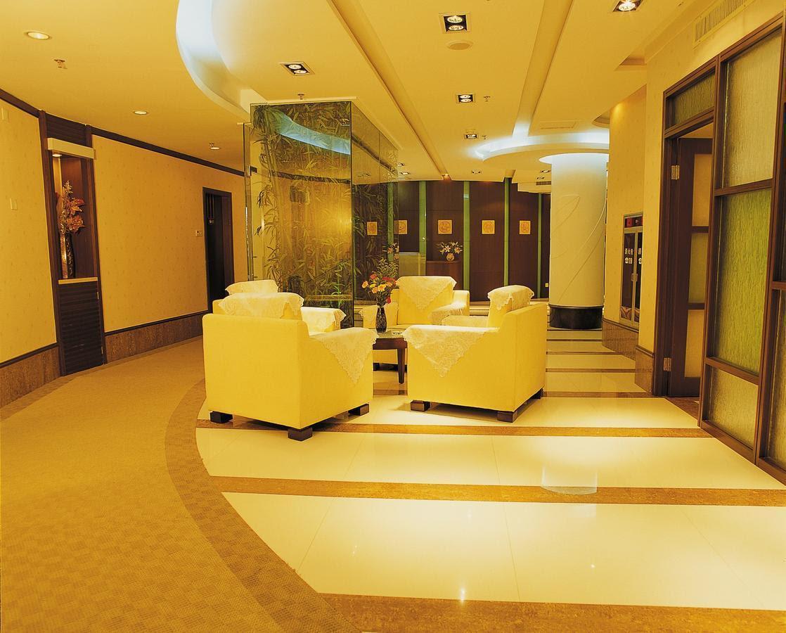 Review Xinhua Hotel