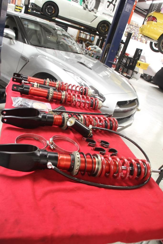STILLEN / Penske R35 Nissan GT-R Two-Way Adjustable Coilovers