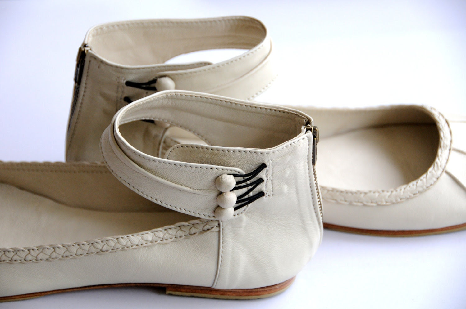 MUSE. Ballet flats / Leather shoes / sizes US 4-13 . Available in different leather colors. - BaliELF