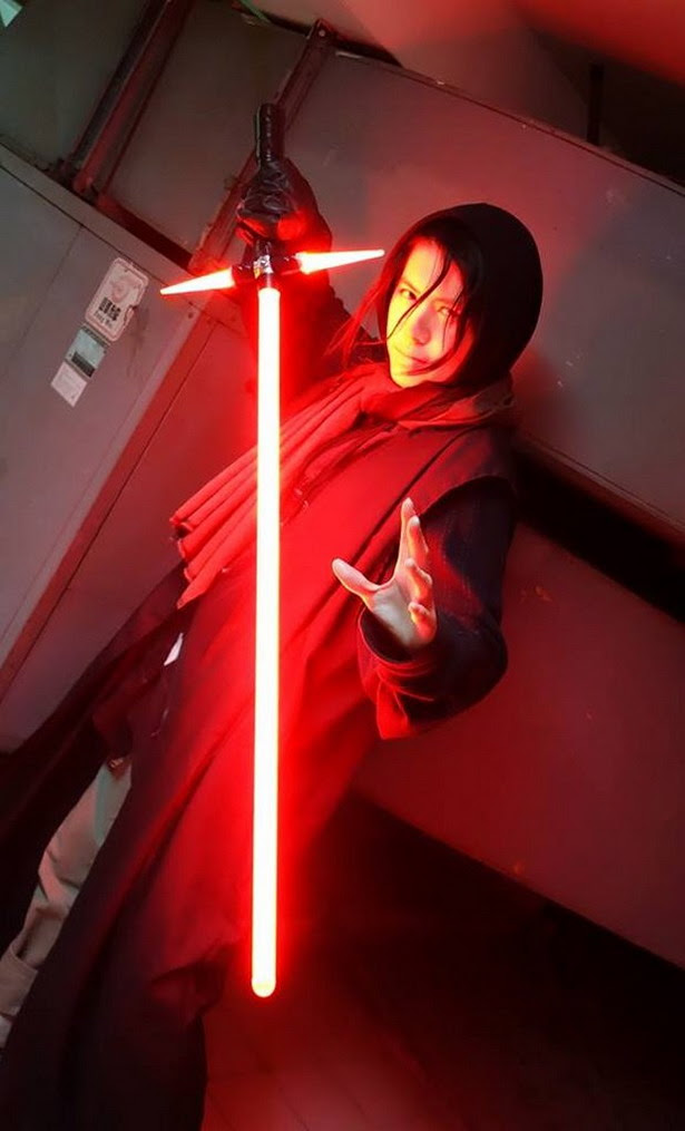 Crossguard Lightsaber de Star Wars Ep. VII: The Force Awakens